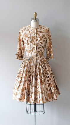vintage 1950s leaf print dress     #vintagedress #1950s