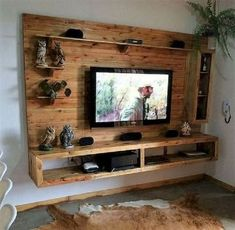 Fantastic Wood Pallet Tv Design Ideas To Beautiful Your Home Inspiration Pallet Furniture Tv Stand, Wooden Furniture, Pallet Sofa, Palette Tv, Tv Wanddekor, Tv Stand Plans, Pallet Wall Shelves, Tv Wall Decor, Pallet Wall Decor