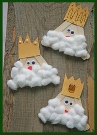 Popsicle Stick Kings - Kid Craft - Glued To My Crafts Popsicle Stick Crafts For Kids, Bible Crafts For Kids, Popsicle Sticks, Craft Stick Crafts, Preschool Crafts, Art For Kids, Kid Art, Preschool Christmas, Christmas Crafts For Kids