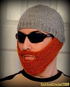 Après le collant à poils des japonaises , on vous présente le tricot barbe ! Parce que les hommes aussi sont victime d'harcèlement ... ;)