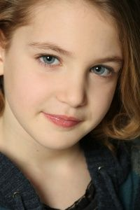 Sophie Nelisse, The Book Thief. Type 2.
