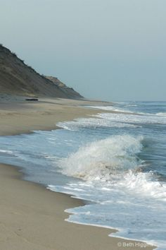 Beautiful scenic photos of Cape Cod, Martha's Vineyard,Nantucket, New England, Florida. Ocean Beach, Ocean Waves, Beach Waves, I Love The Beach, Beach Scenes, Beautiful Beaches, Places To Go, Surfing, Scenery