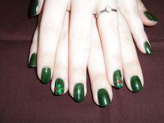 Shellac with Christmas nail art.