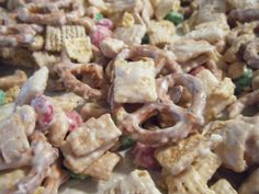 Super Easy Christmas Party Snack Mix | Homemaking with Monica.