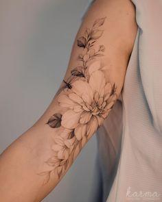 Hand Tattoos For Women, Shoulder Tattoos For Women, Small Tattoos For Guys, Sword Tattoos For Women, Mini Tattoos, Rose Tattoos, Flower Tattoos, Body Art Tattoos, Feminine Tattoo Sleeves