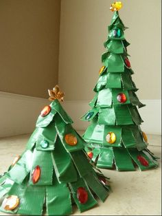 Easy Kids Christmas Craft - DIY Duct Tape Trees - My Kids are duct tape crazy right now.:)