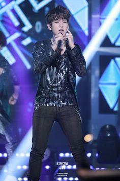 12.05.25 Music Bank (Cr: B'SPECTRA: baekhyun0506.com)