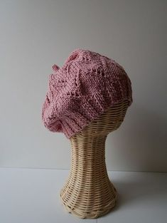 Crochet accessories 777926535623354601 - Tuto tricot Bonnet Edith Source by Bonnet Crochet, Knit Crochet, Crochet Pattern, Crochet Hats, Knitting Needles, Free Knitting, Knitting Patterns, Hat Patterns, Knitting For Beginners