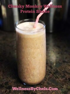 One of my favorite post-workout snacks is this Chunky Monkey Wellness Protein Shake Coffee Protein Smoothie, Protein Smoothies, Skinny Recipes, Healthy Recipes, Delicious Recipes, Breastfeeding Foods, Post Workout Snacks, Chunky Monkey, Fat Burning Drinks