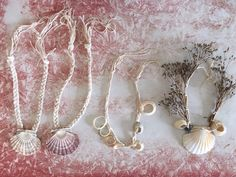 Homemade jewellery made from beach shells and nature finds Babyccino Kids: Daily tips, Children's products, Craft ideas, Recipes & More