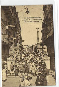 Belgium Blankenberghe trap kerkstraat - kaart hotel Godderis zeer veel volk, €3.00