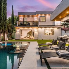 "Featured Properties on Instagram: ""Tag someone who needs this backyard! 🏡 Represented by @adi_livyatan ⁣ ⁣ Elegant Gated Modern Masterpiece located in a quiet Studio City…"" Studio City, House Goals, Home Fashion, Backyard, Mansions, Elegant, Architecture, House Styles, Modern"