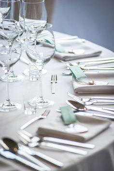Wedding table in HOT_elarnia #wedding #weddingday #table #weddingtable #elegance #tableware
