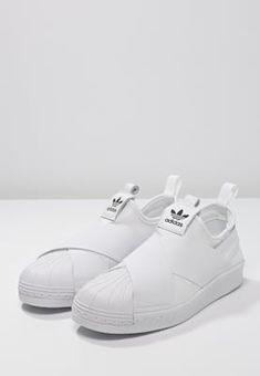 Futuristisches Design für Großstadtheldinnen. adidas Originals SUPERSTAR…  Adidas Loafers 3c0ea63d5e