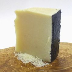 Pecorino Romano by Zerto – Pound Cut pound) – Gourmet Gifts Gourmet Gifts, Gourmet Recipes, Snack Recipes, Sheep Cheese, Cheese Gifts, Gourmet Cheese, Best Italian Recipes, Italian Cooking, Italian Dishes