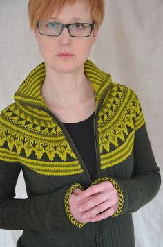 Ravelry: Oranje pattern by Ann Weaver Fair Isle Knitting, Free Knitting, Fair Isle Pattern, Cardigan Pattern, Crochet Yarn, Knitting Projects, Bunt, Knitwear, Knitting Patterns
