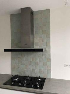 kitchen ideas – New Ideas Hudson Homes, Kitchen Wall Tiles, Home And Living, Backsplash, Floating Shelves, Decoration, Kitchen Design, Sweet Home, New Homes