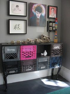 Once used only for record albums, milk crates now repurposed as a credenza.ooooohhh I have tons of milk crates, what a wonderful idea Milk Crate Storage, Milk Crates, Wooden Crates, Milk Crate Shelves, Fruit Crates, Box Shelves, Diy Furniture, Furniture Design, Milk Crate Furniture