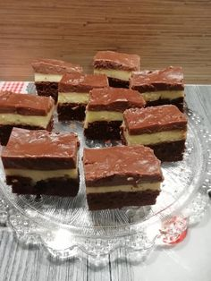 Pudingos szelet, egyszerű, gyors sütemény, de nem lehet megunni! Pastry Chef, Food And Drink, Cooking Recipes, Cookies, Cake, Desserts, Cooking, Crack Crackers, Tailgate Desserts