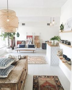 Coastal chic decor with bohemian influence