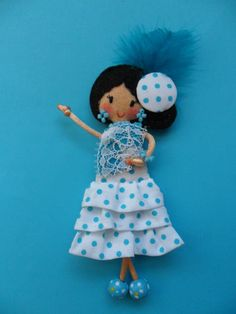 Felt Dolls, Doll Toys, Paper Dolls, Muñeca Diy, Crafts For Kids, Arts And Crafts, World Crafts, Applique Templates, Brooches Handmade