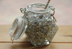 levendulas-mez Mason Jars, Lavender, Provence France, Biscotti, Table, Provence, Canning Jars, Tables, Desks