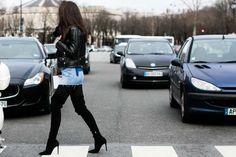Street looks à la Fashion Week automne-hiver 2016-2017 de Paris Photo par Sandra Semburg - Vogue Paris