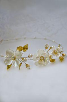 pearl hair vine, pearl tiara, halo headpiece, gold crown, pearl flower crown, bridal hair vine, bridal headpiece, pearl wedding headband