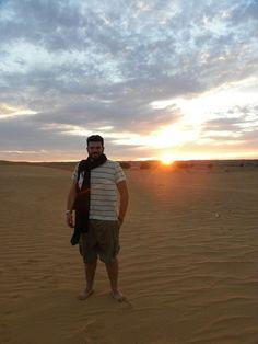 Juristas españoles, belgas y franceses han sido detenidos este miércoles en Rabat por la policía marroquí y devueltos a España en menos de 24 horaLos abogados querían confirmar el estado de salud de presos saharauis que llevan más de 35 días en huelga de hambreLos presos políticos de Gdeim Izik, donde tuvo lugar la primavera árabe del Sáhara en 2010, protestan contra su tortura y detención arbitraria