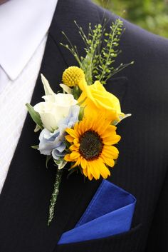 Flower Design Events: A Sneaky Peek at Sarah & Richard's Sunflower Wedding Day at St Anne's Parish Church & The Grand Hotel