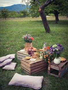 picknick ideen im wald mit diy plattformen - Gartenparty/Sommerparty Ideen - Summer Picnics Garden Party Decorations, Garden Parties, Outdoor Parties, Summer Parties, Picnic Parties, Summer Drinks, Comida Picnic, Picnic Birthday, Garden Birthday