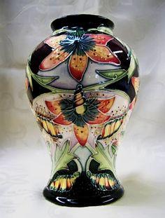 beautiful art nouveau Zsolnay vase, Hungary