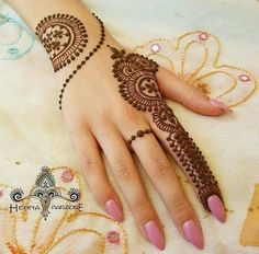 Mehndi designs are applied on hands and feet at imperative weddings and other occasions. Today, Mehndi is exceptionally prevalent in Eastern nations. Henna Hand Designs, Mehndi Designs Finger, Mehndi Designs For Beginners, Mehndi Designs For Girls, Mehndi Designs For Fingers, Best Mehndi Designs, Simple Mehndi Designs, Henna Tattoo Designs, Mehandi Designs