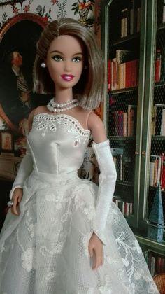 Barbie DOW Chile, hybrid   Kleid: By-Elle, Ring: Tafehnja , eBay