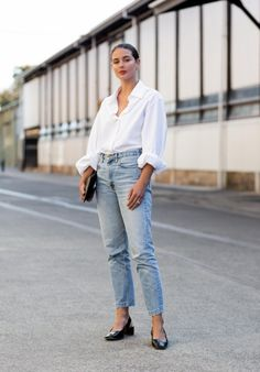 White Shirts and Blue Jeans Never Go Out of Fashion (Harper & Harley) White Shirt And Blue Jeans, White Shirt Outfits, White Shirts, White Blazers, Jeans Casual, Casual Outfits, Fashion Outfits, Fashion Hacks, Hijab Fashion