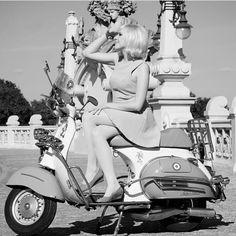 Mod Fashion, Urban Fashion, Vespa Girl, Vespa Lambretta, Street Wear, Beautiful Women, Sport, Guys, Scooters