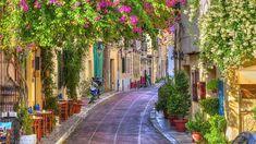 A spasso per Atene con chi ci abita - La Stampa