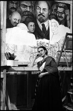 Lucienne Bloch - Frida Kahlo in front of the unfinished Unity Panel (Portrait of America) painted by Diego Rivera at the New York Workers School, Frida E Diego, Diego Rivera Frida Kahlo, Frida Art, Famous Artists, Great Artists, Mexican Artists, Arte Popular, Art Studios, Artist At Work