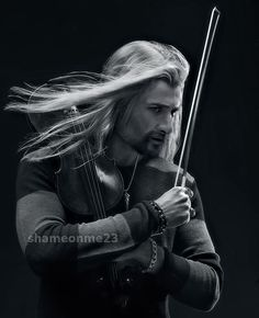 """I haven't read dragonsquill's """"Heirs of Durin"""" seriesyet but the thought of Fili playing violin does something to me ::) David Garrett, Mon Cheri, Dean O'gorman, Bill Kaulitz, Tokio Hotel, Music Photo, The Heirs, Classical Music, Lotr"""