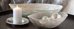 Schale aus Edelstahl, erhältlich in 2 verschiedenen Größen  Aufwändig in Form gebrachte Metallkordeln sind ein spektakulärer Hingucker bei diesen extravaganten vernickelten Schalen.