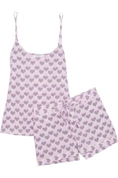 Equipment's 'Layla' pajamas are cut from washed-silk that feels smooth against your skin. This playful heart-print set has a flattering V-neck camisole - with adjustable straps for a flexible fit - and comfortable drawstring shorts. We think the accompanying presentation box makes it perfect for gifting.