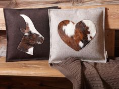 The alpine look - beautiful furniture and decoration. Pillow in alpine look – felt pillow with fur insert - Chalet Chic, Chalet Style, Chalet Design, Modern Decorative Objects, Cheap Party Decorations, Felt Pillow, Bohemian Decor, Leather Craft, Rustic Decor