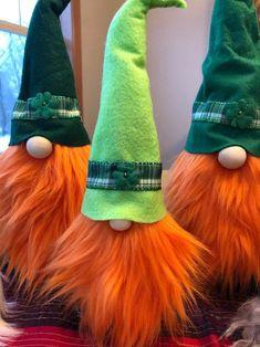 Dylan's clan – St Patricks Day gnome/nisse/tomte – fitness training St. Patrick's Day Diy, St. Patricks Day, Irish Decor, St Patrick's Day Decorations, Scandinavian Gnomes, Diy Hat, St Pattys, Design Furniture, Leprechaun
