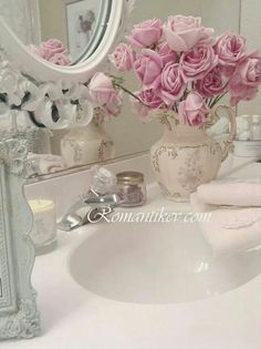 rosecottage.quenalbertini: Roses at the bathroom