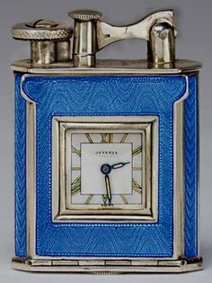 Antique Lighter Blue hard glass This is my actual lighter. Very Deco and that hard glass enamel guilloche is fabulous Looks like it was never used. Antique Chandelier, Antique Lighting, Art Nouveau, Cool Lighters, Vintage Ashtray, Zippo Lighter, Antique Clocks, Art Deco Design, Art Deco Fashion