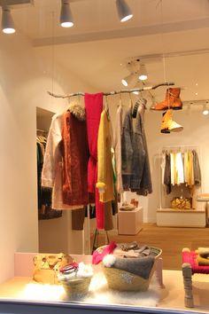 une vitrine toute douce à la boutique Des Petits Hauts de Rennes