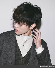 ハンサム✨ Japanese Boy, Japanese Models, Mangekyou Sharingan, Cute Caps, E Dawn, Anime Drawings Sketches, Human Art, Ulzzang Boy, Actor Model