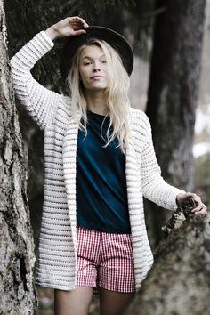 Tweekleurige jas in kantpatroon, Knit Cardigan Pattern, Cotton Cardigan, Crochet Cardigan, Crochet Clothes, Diy Clothes, Summer Cardigan, Boho Fashion Summer, Easy Knitting, Knit Fashion