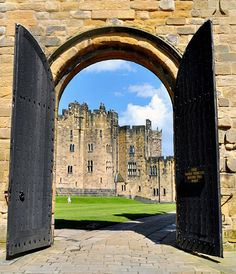 Alnwick Castle, England. Used for some Hogwarts exterior shots - they reenact Harry Potter scenes during the summer!!