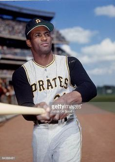 CIRCA Outfielder Roberto Clemente' of Pittsburgh Pirates poses for this photo before a MLB baseball game circa mid Clemente' Played. Play Baseball Games, Pirates Baseball, Sports Baseball, Baseball Players, Softball, Roberto Clemente, Puerto Rico, Pirate Photo, St Louis Cardinals Baseball